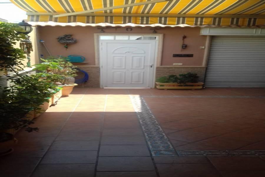 Torrevieja,Alicante,España,3 Bedrooms Bedrooms,1 BañoBathrooms,Bungalow,24184