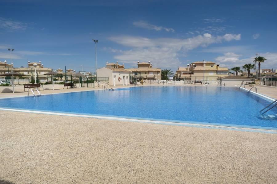 Santa Pola,Alicante,España,3 Bedrooms Bedrooms,1 BañoBathrooms,Bungalow,24198