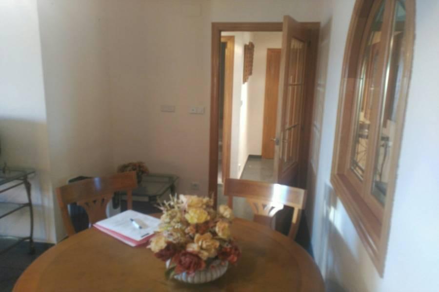 Elche,Alicante,España,4 Bedrooms Bedrooms,2 BathroomsBathrooms,Pisos tipo duplex,24206