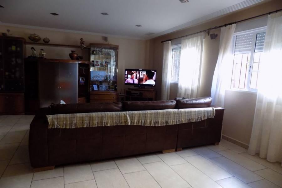 Elche,Alicante,España,4 Bedrooms Bedrooms,2 BathroomsBathrooms,Adosada,24368