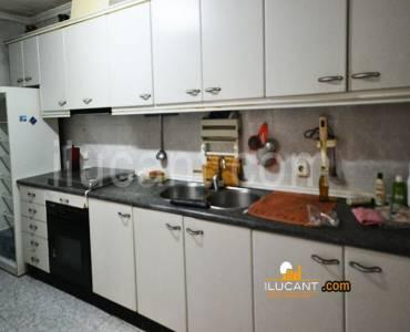 Alicante,Alicante,España,4 Bedrooms Bedrooms,1 BañoBathrooms,Planta baja,24388