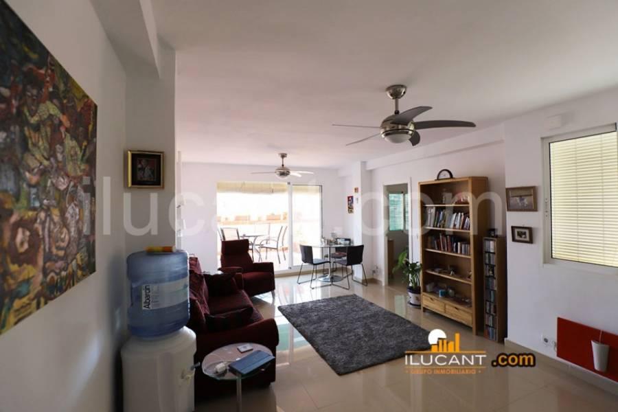 Alicante,Alicante,España,2 Bedrooms Bedrooms,1 BañoBathrooms,Atico,24390