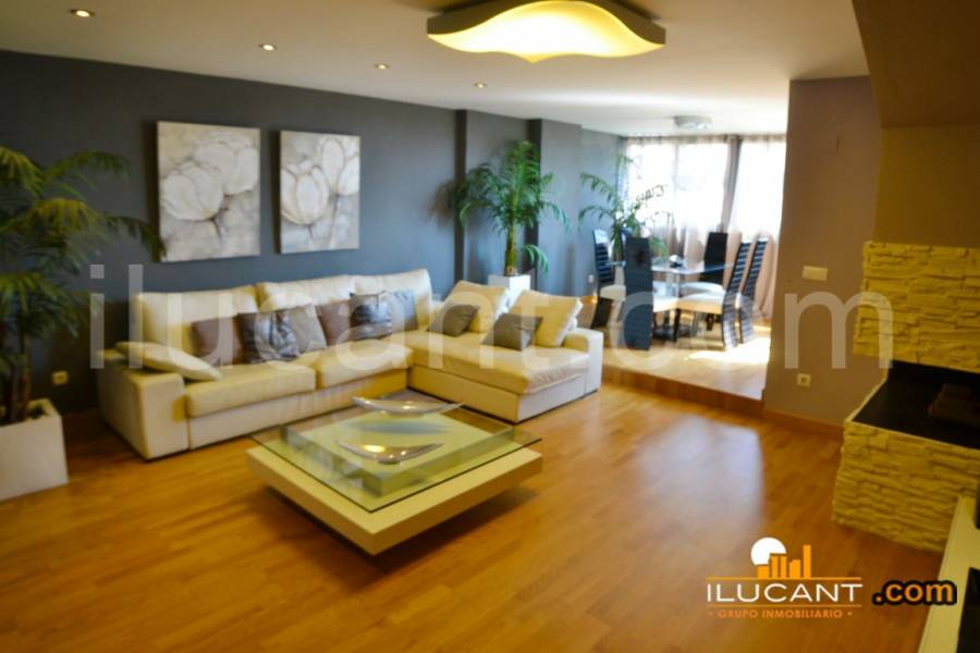 Alicante,Alicante,España,3 Bedrooms Bedrooms,2 BathroomsBathrooms,Atico,24391