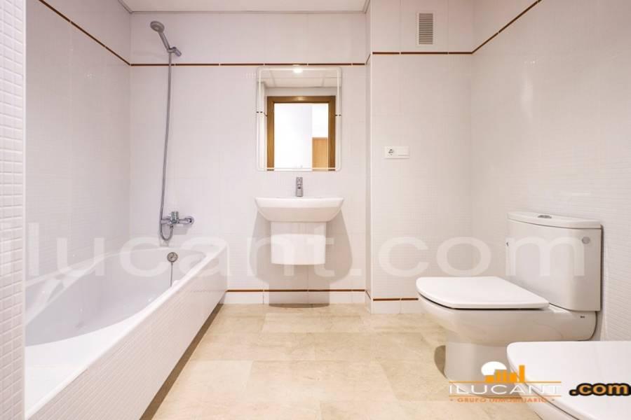 Alicante,Alicante,España,4 Bedrooms Bedrooms,2 BathroomsBathrooms,Atico,24405