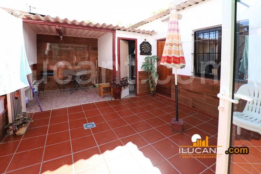 Alicante,Alicante,España,3 Bedrooms Bedrooms,1 BañoBathrooms,Planta baja,24408