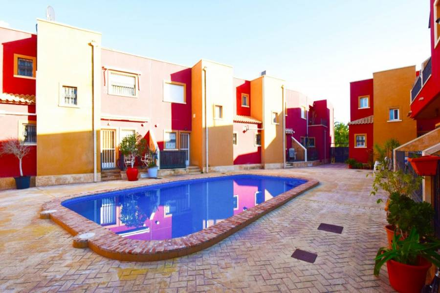 San Isidro,Alicante,España,3 Bedrooms Bedrooms,2 BathroomsBathrooms,Adosada,24419