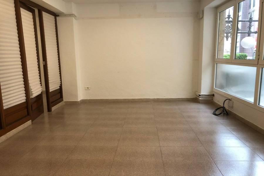 Elche,Alicante,España,3 Bedrooms Bedrooms,Entresuelo,24425
