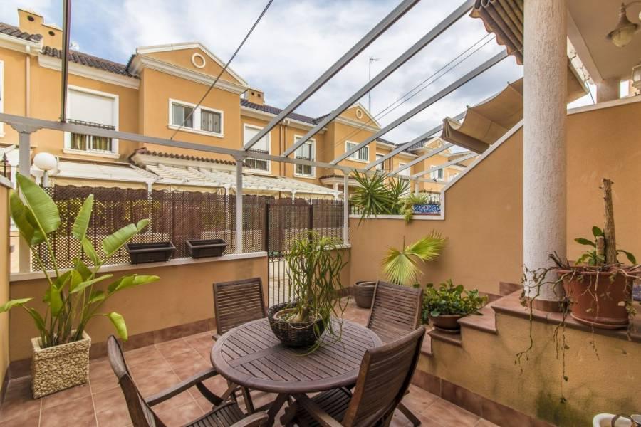 Elche,Alicante,España,3 Bedrooms Bedrooms,2 BathroomsBathrooms,Adosada,24432