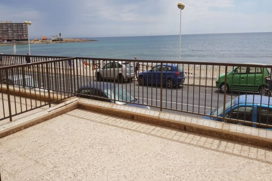 Torrevieja,Alicante,España,4 Bedrooms Bedrooms,2 BathroomsBathrooms,Apartamentos,24535