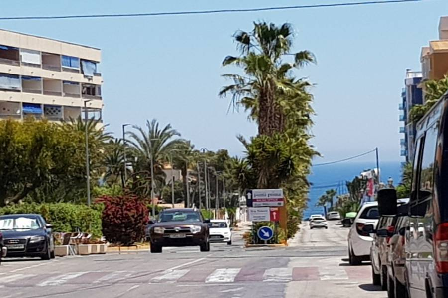 Torrevieja,Alicante,España,2 Bedrooms Bedrooms,1 BañoBathrooms,Atico,24538