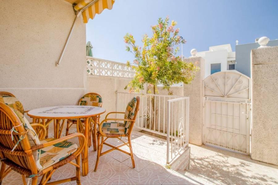 Torrevieja,Alicante,España,2 Bedrooms Bedrooms,1 BañoBathrooms,Adosada,24548
