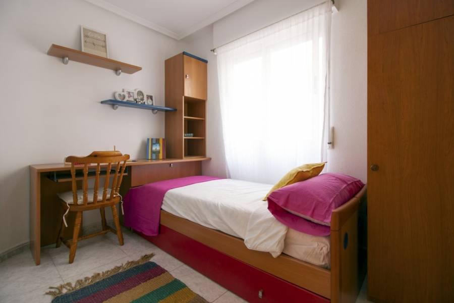 Torrevieja,Alicante,España,3 Bedrooms Bedrooms,2 BathroomsBathrooms,Apartamentos,24559