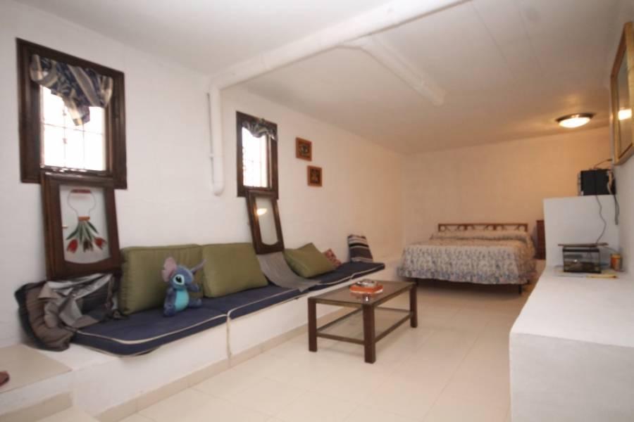 Torrevieja,Alicante,España,4 Bedrooms Bedrooms,1 BañoBathrooms,Bungalow,24566