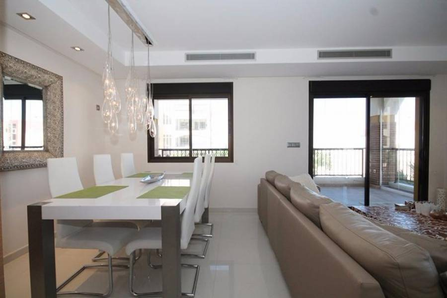 Guardamar del Segura,Alicante,España,3 Bedrooms Bedrooms,2 BathroomsBathrooms,Apartamentos,24575
