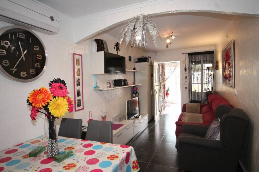 Torrevieja,Alicante,España,2 Bedrooms Bedrooms,1 BañoBathrooms,Bungalow,24576
