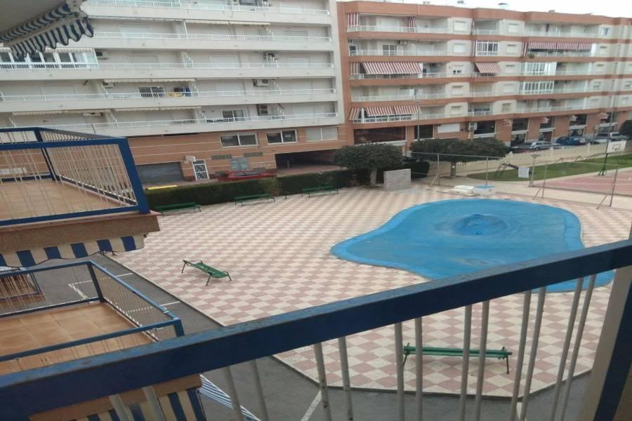 Santa Pola,Alicante,España,2 Bedrooms Bedrooms,1 BañoBathrooms,Apartamentos,24638