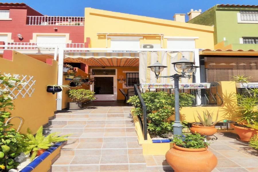 Mutxamel,Alicante,España,5 Bedrooms Bedrooms,Adosada,24685