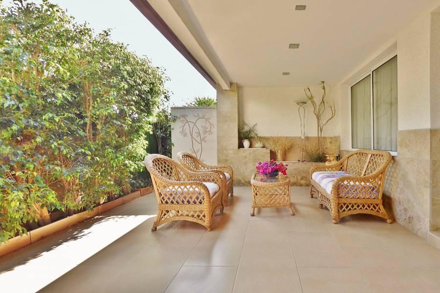 Alicante,Alicante,España,4 Bedrooms Bedrooms,3 BathroomsBathrooms,Bungalow,24698