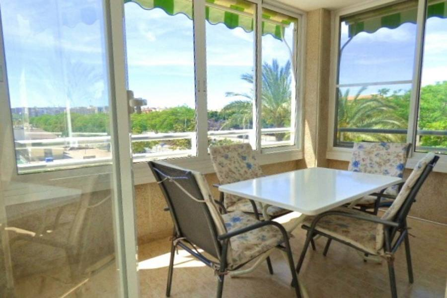 Alicante,Alicante,España,2 Bedrooms Bedrooms,2 BathroomsBathrooms,Apartamentos,24705