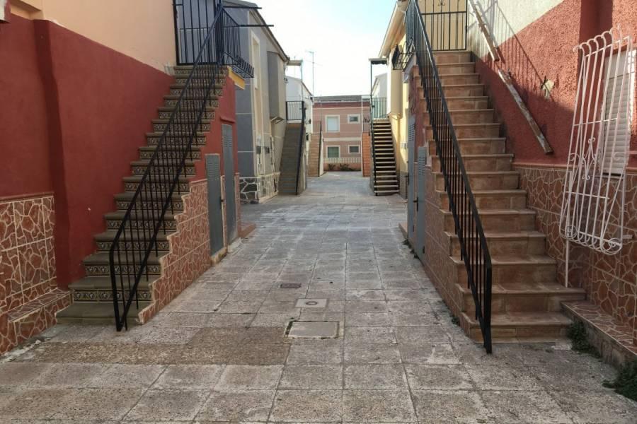 Santa Pola,Alicante,España,3 Bedrooms Bedrooms,1 BañoBathrooms,Planta baja,24793