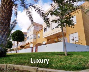 Alicante,Alicante,España,4 Bedrooms Bedrooms,3 BathroomsBathrooms,Adosada,24811
