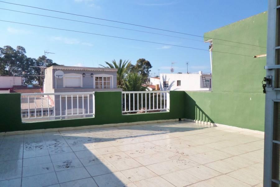 Alicante,Alicante,España,4 Bedrooms Bedrooms,2 BathroomsBathrooms,Adosada,24852