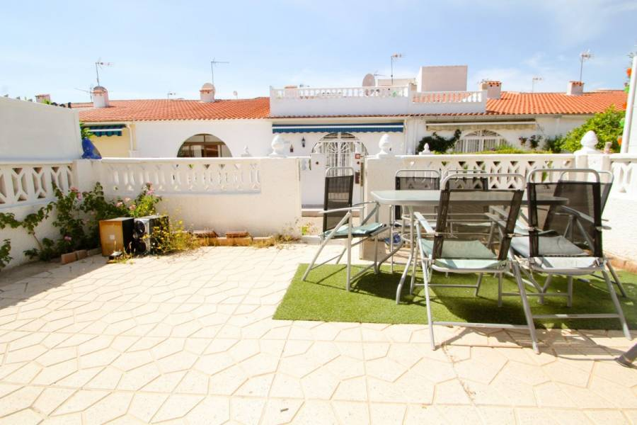 Torrevieja,Alicante,España,2 Bedrooms Bedrooms,1 BañoBathrooms,Bungalow,24925