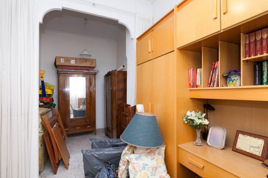 Alicante,Alicante,España,3 Bedrooms Bedrooms,1 BañoBathrooms,Planta baja,24944