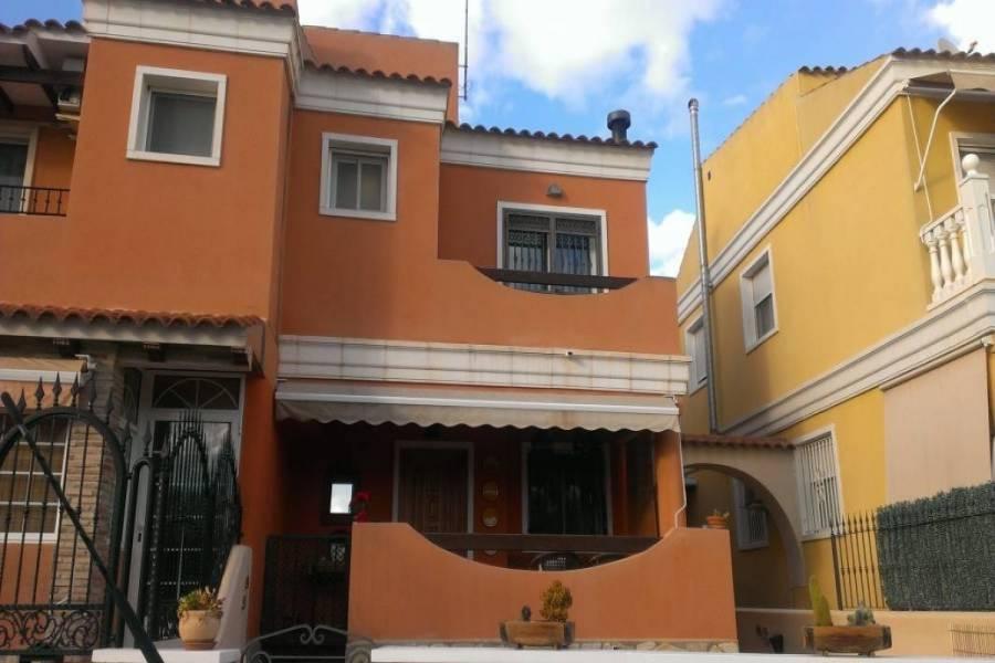 Elche,Alicante,España,3 Bedrooms Bedrooms,2 BathroomsBathrooms,Adosada,24950
