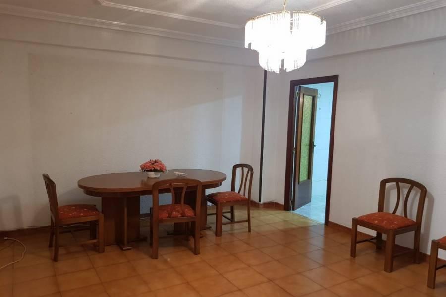 Elche,Alicante,España,3 Bedrooms Bedrooms,1 BañoBathrooms,Entresuelo,24951