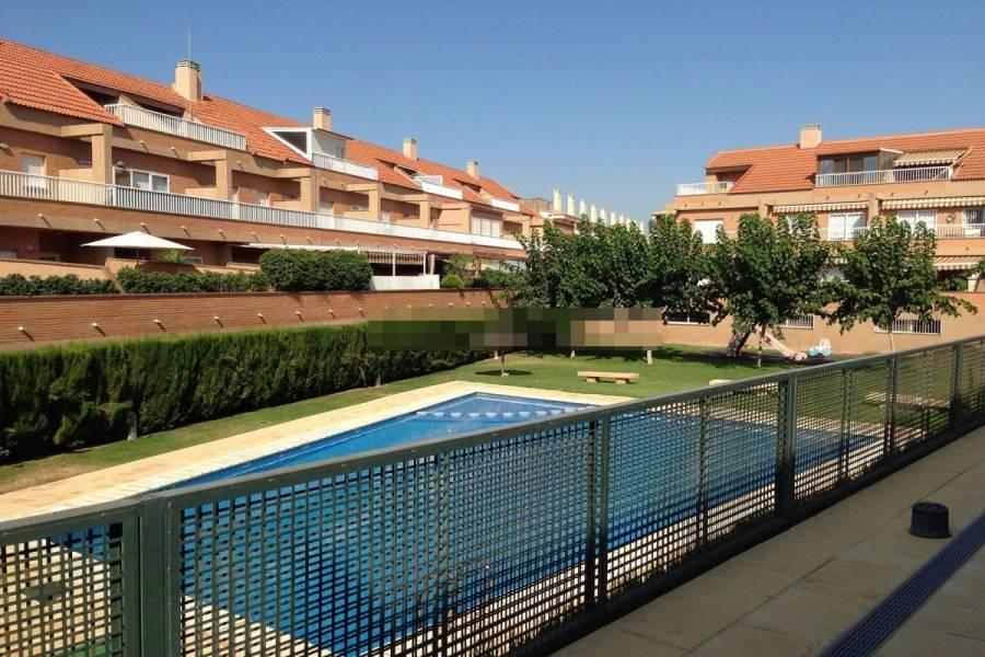 Alicante,Alicante,España,4 Bedrooms Bedrooms,2 BathroomsBathrooms,Bungalow,24978
