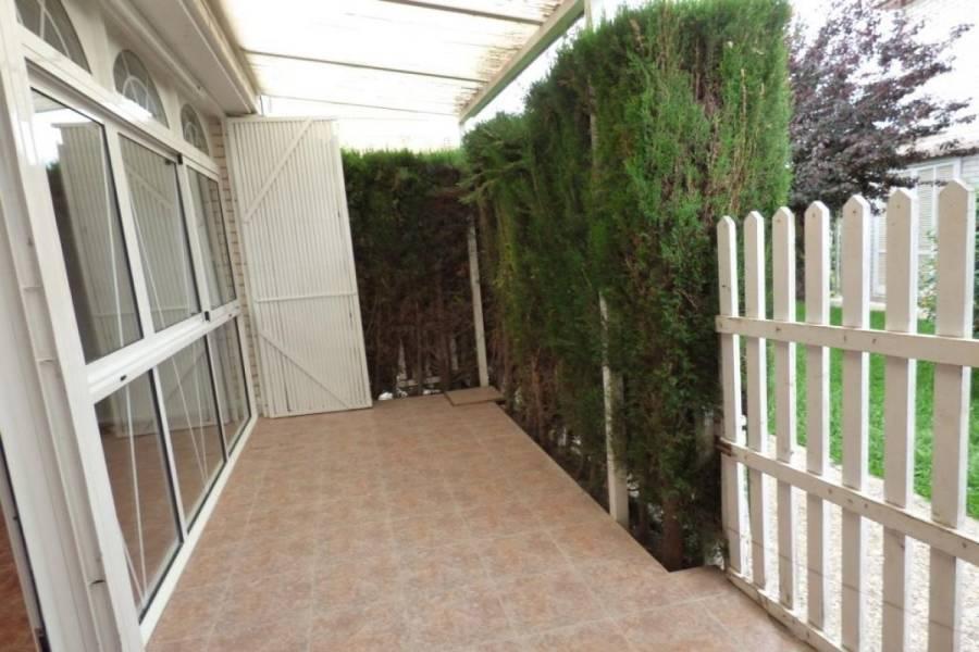 Alicante,Alicante,España,4 Bedrooms Bedrooms,2 BathroomsBathrooms,Adosada,24980