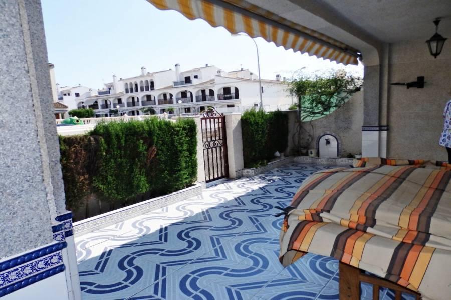 Santa Pola,Alicante,España,4 Bedrooms Bedrooms,2 BathroomsBathrooms,Bungalow,24992