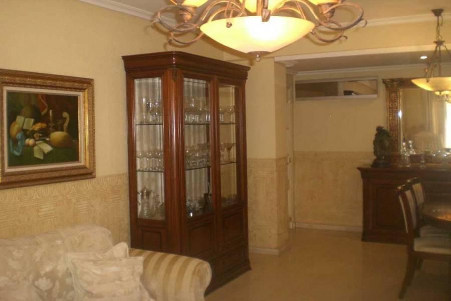 Alicante,Alicante,España,4 Bedrooms Bedrooms,2 BathroomsBathrooms,Bungalow,24995