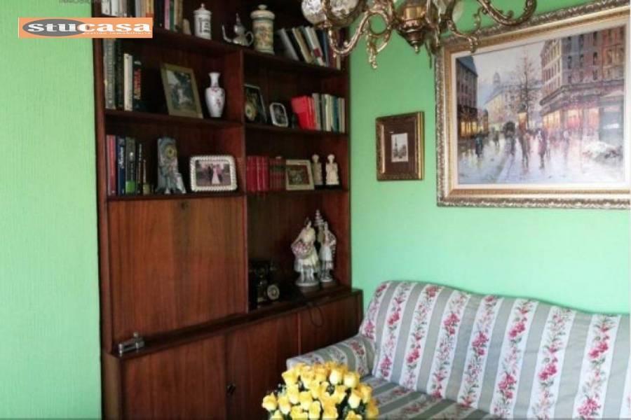 Alicante,Alicante,España,4 Bedrooms Bedrooms,1 BañoBathrooms,Atico,25043
