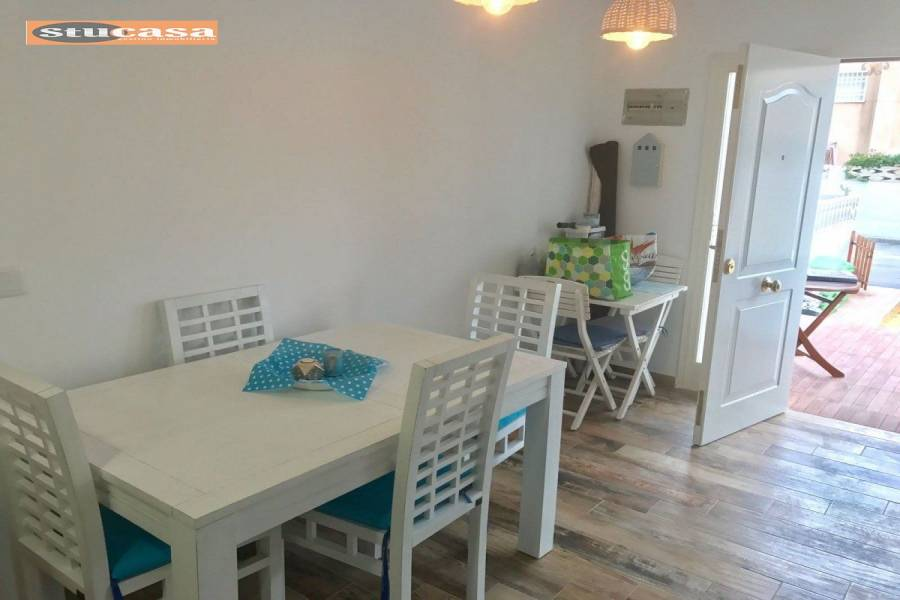 el Campello,Alicante,España,3 Bedrooms Bedrooms,2 BathroomsBathrooms,Adosada,25047