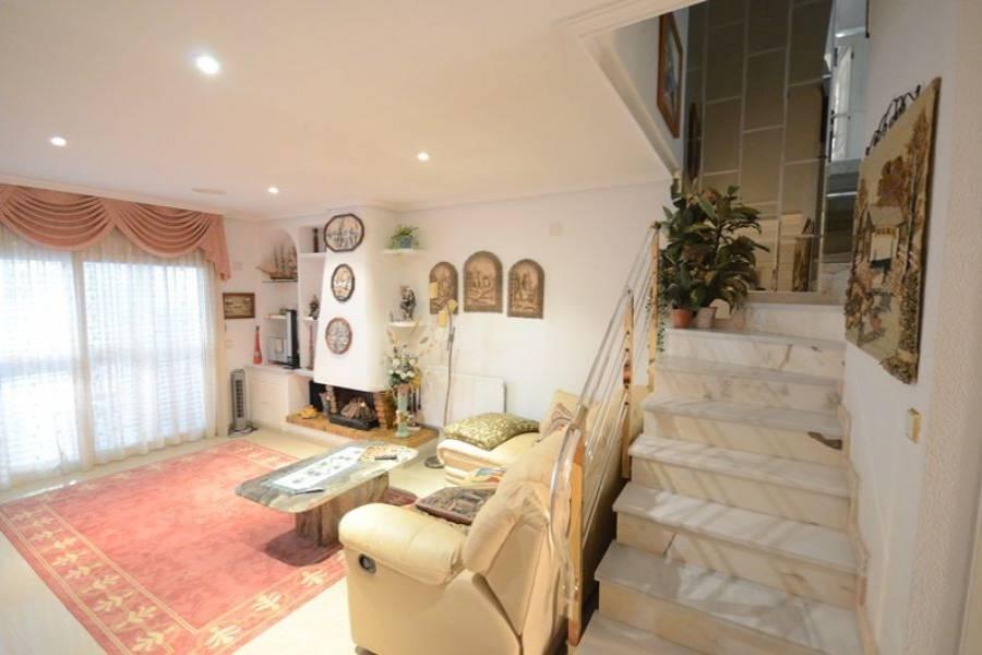 Guardamar del Segura,Alicante,España,3 Bedrooms Bedrooms,2 BathroomsBathrooms,Adosada,25053