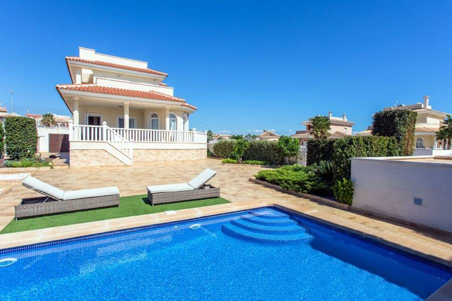 Ciudad Quesada,Alicante,España,3 Bedrooms Bedrooms,3 BathroomsBathrooms,Casas,25076