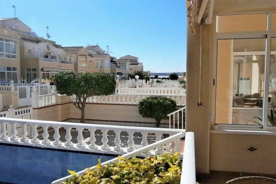 Torrevieja,Alicante,España,2 Bedrooms Bedrooms,1 BañoBathrooms,Adosada,25087
