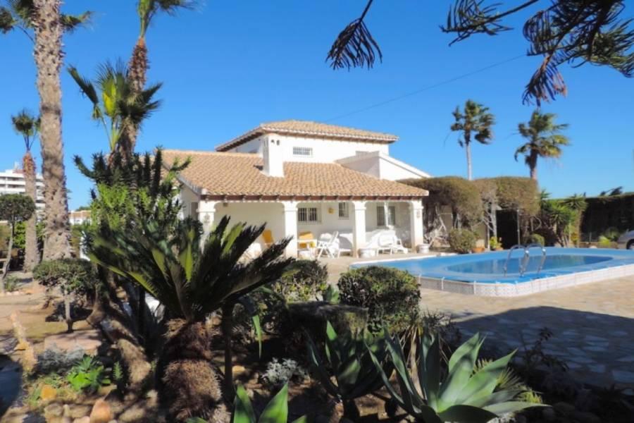 Orihuela Costa,Alicante,España,3 Bedrooms Bedrooms,4 BathroomsBathrooms,Casas,25100