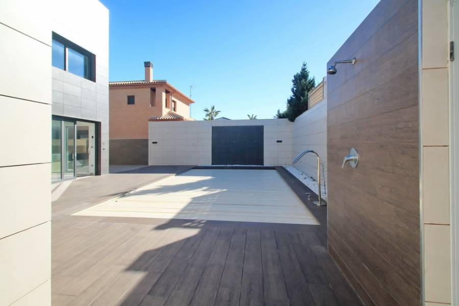 Torrevieja,Alicante,España,5 Bedrooms Bedrooms,4 BathroomsBathrooms,Casas,25130