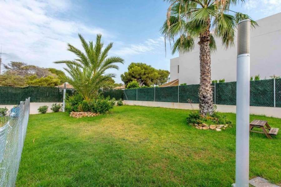 Torrevieja,Alicante,España,3 Bedrooms Bedrooms,3 BathroomsBathrooms,Adosada,25154