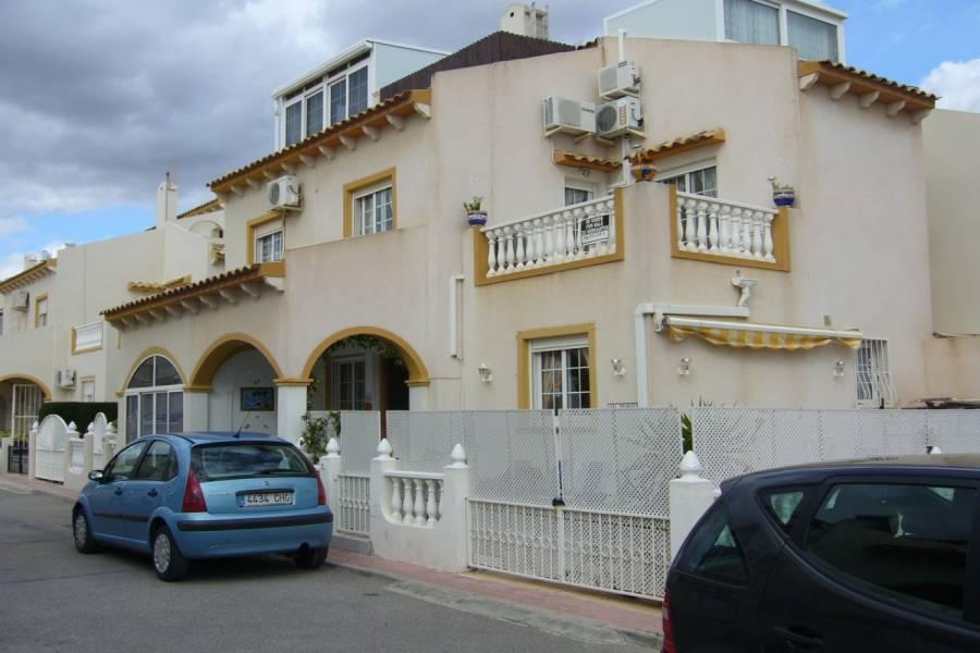 Orihuela Costa,Alicante,España,3 Bedrooms Bedrooms,2 BathroomsBathrooms,Adosada,25157