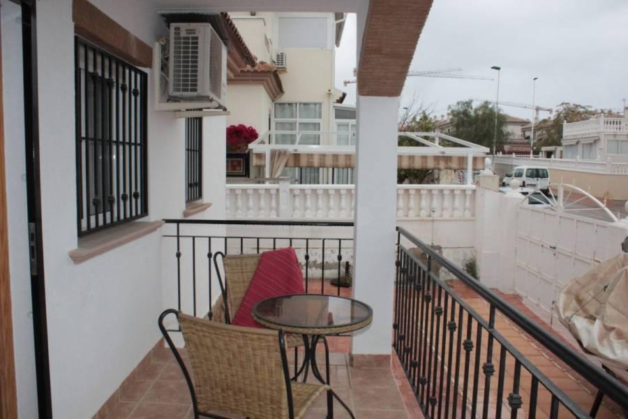 Torrevieja,Alicante,España,3 Bedrooms Bedrooms,2 BathroomsBathrooms,Adosada,25158