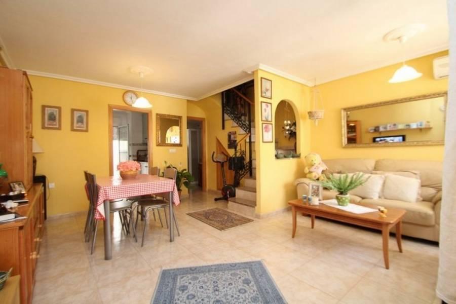 Torrevieja,Alicante,España,3 Bedrooms Bedrooms,2 BathroomsBathrooms,Adosada,25187