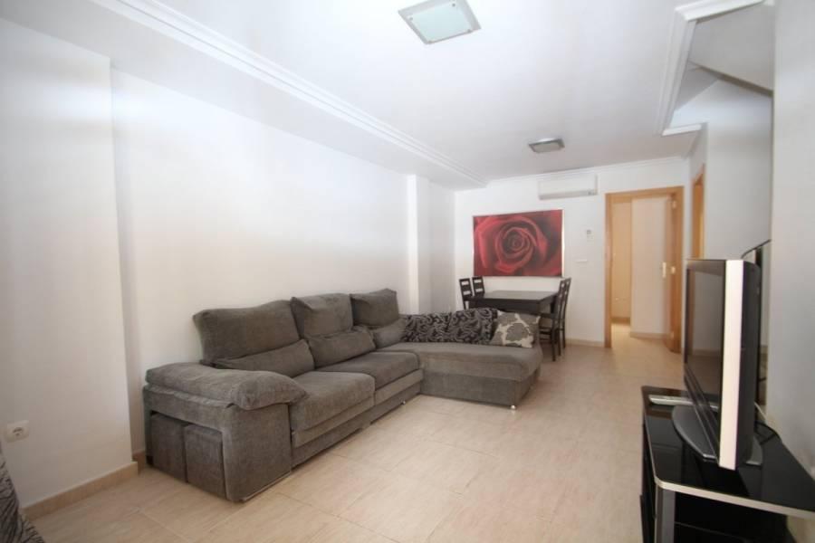 Torrevieja,Alicante,España,3 Bedrooms Bedrooms,3 BathroomsBathrooms,Adosada,25190