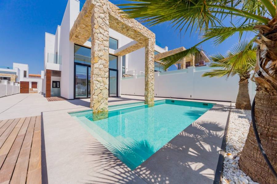 Torrevieja,Alicante,España,4 Bedrooms Bedrooms,4 BathroomsBathrooms,Casas,25213