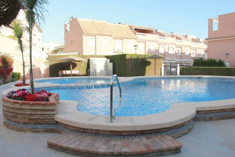Santa Pola,Alicante,España,3 Bedrooms Bedrooms,2 BathroomsBathrooms,Bungalow,25353