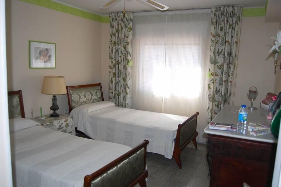 Benidorm,Alicante,España,4 Bedrooms Bedrooms,2 BathroomsBathrooms,Apartamentos,25791