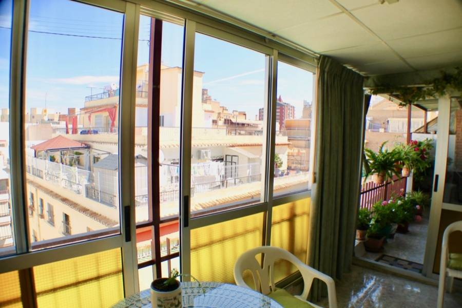 Benidorm,Alicante,España,2 Bedrooms Bedrooms,1 BañoBathrooms,Atico,25875